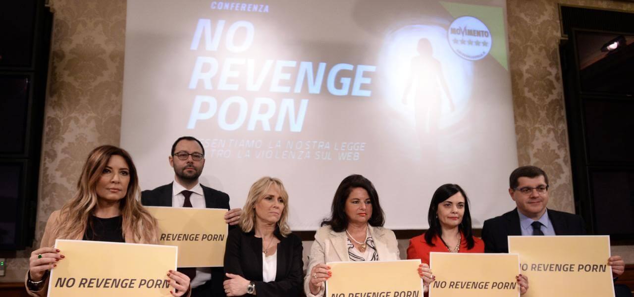 """STOP AL REATO SUL """"REVENGE PORN"""", LEGA E M5S BOCCIANO UN EMENDAMENTO"""