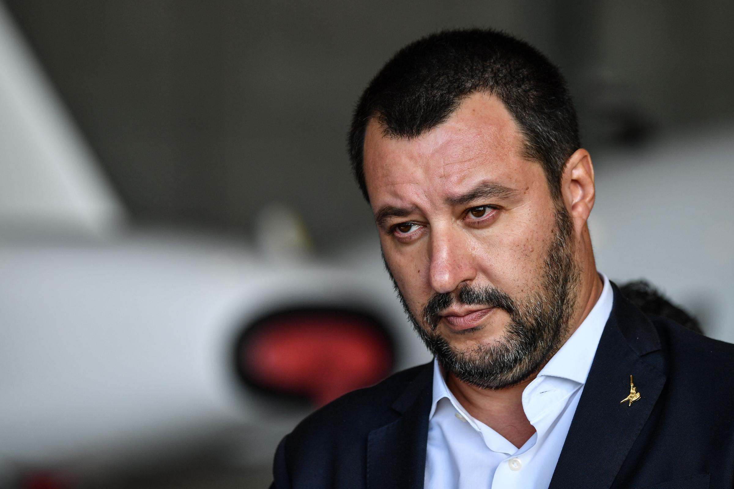 Salvini va da Mattarella, apre al governo di unità senza Conte