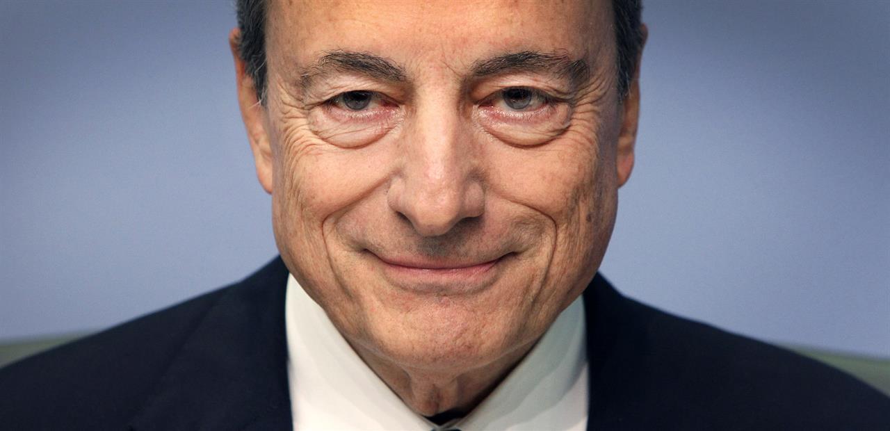 Draghi illustra il programma al Senato. E affibbia uno scappellotto a Salvini