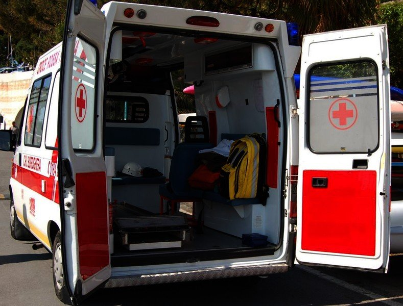 Neonata morta nel Salernitano, gettata da finestrastr dopo parto