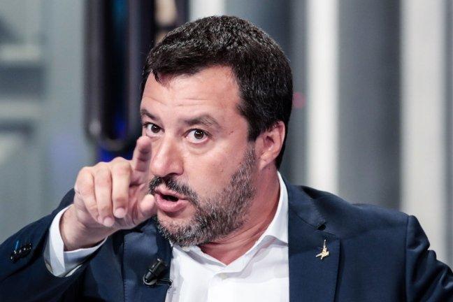 Salvini: allarme invasione il governo mette in pericolo l'Italia