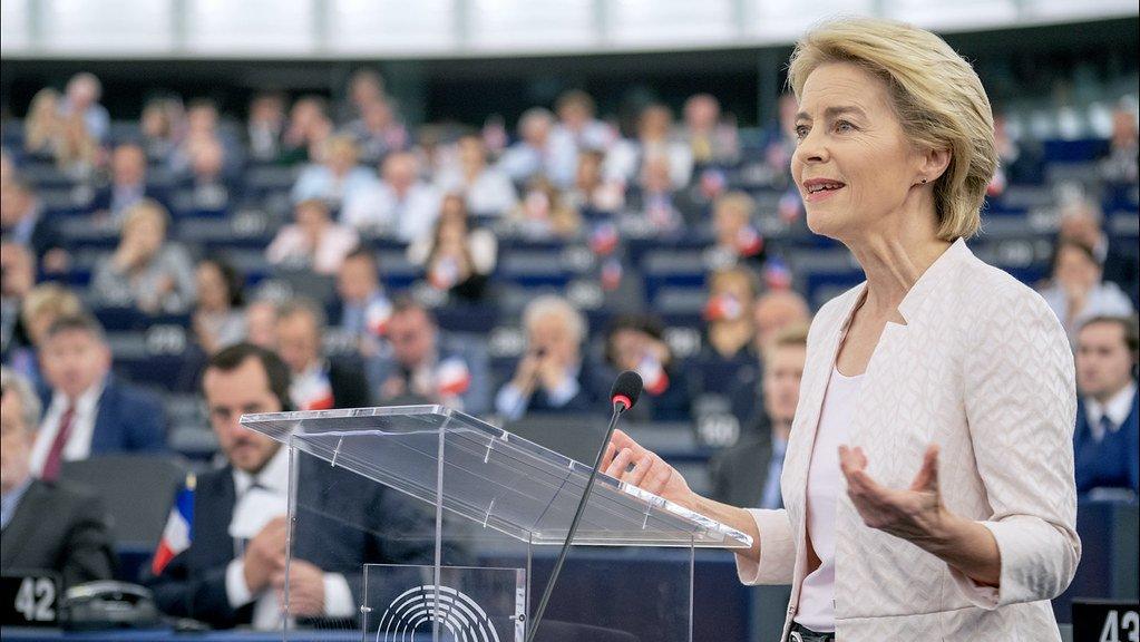 """Coronavirus: von der Leyen """"Domani primi 10 miliardi per l'Italia"""""""