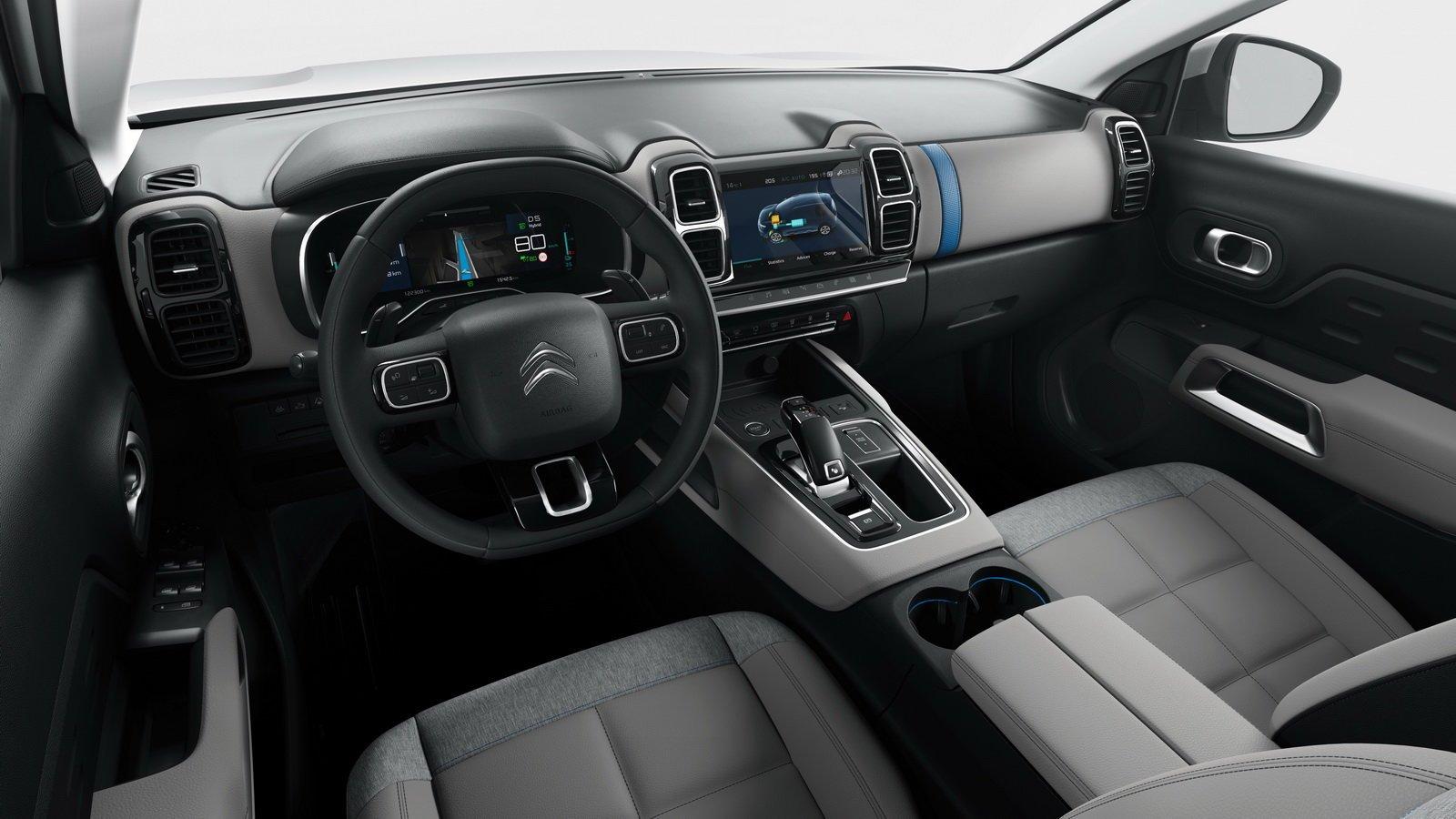 Motori: con C5 Aircross Hybrid la ricarica è semplice e veloce