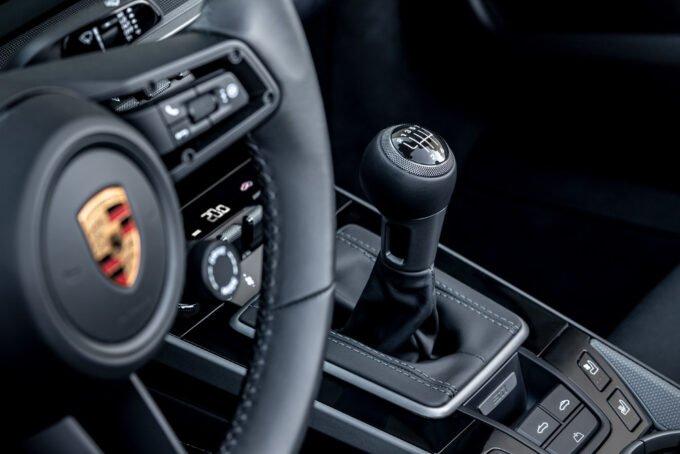 PORSCHE: CAMBIO MANUALE A SETTE RAPPORTI PER TUTTE 911 CARRERA S E 4S
