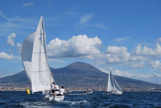 A Napoli uscita in barca a vela per i pazienti ematologici