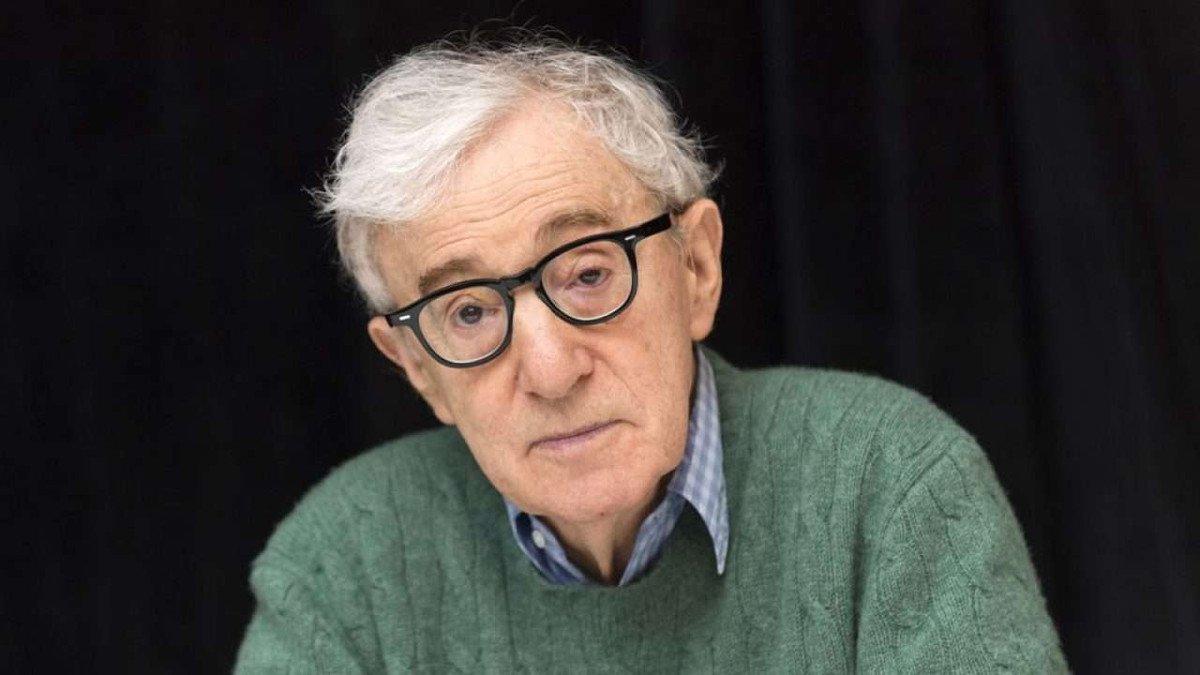 """Woody Allen potrebbe smettere di fare film, colpa della pandemia """"Sale cinematografiche chiuse e produzione difficile"""""""