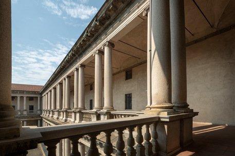 Ferragamo: con Inwit nel progetto Portrait Milano