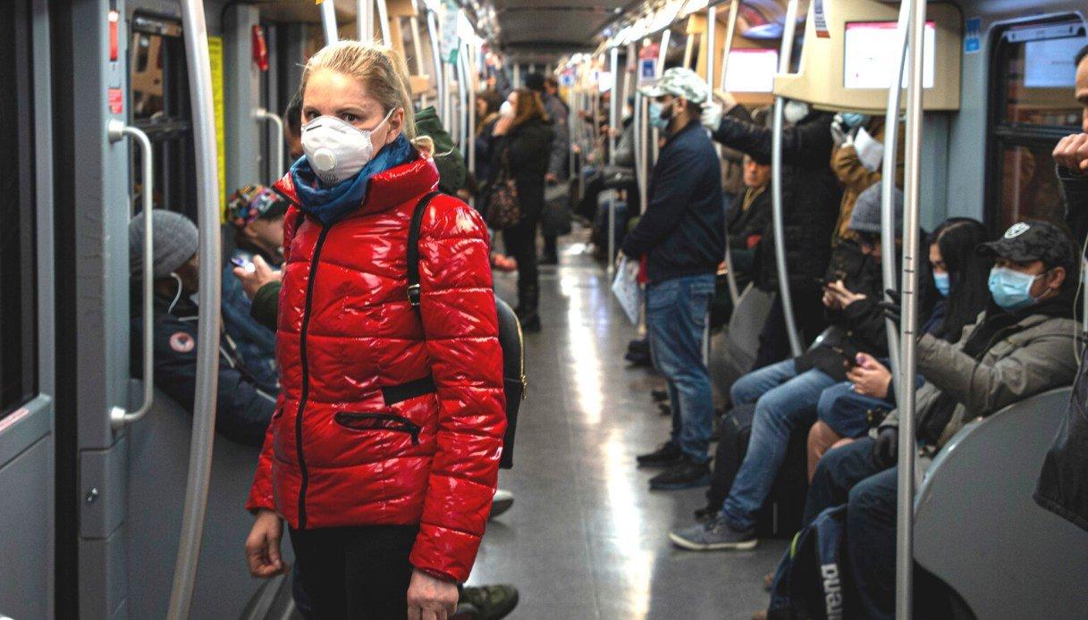 Campania, mascherine obbligatorie in terminal e su mezzi pubblici