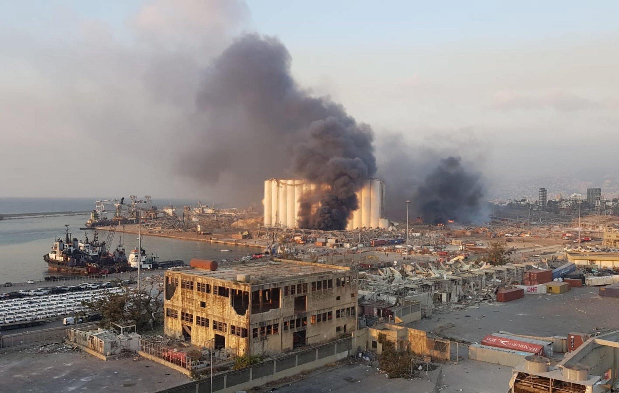 Libano: salgono a 100 le vittime delle esplosioni a Beirut