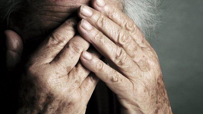 Maltrattava la madre 77enne, allontanato dalla polizia a Roma