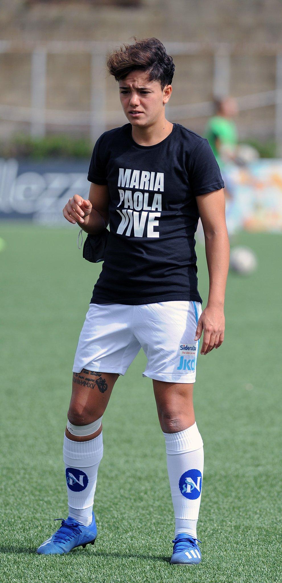 Calcio. Il Napoli Women in campo contro l'omotransfobia