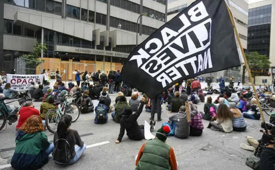 Usa: Afroamericano ucciso, acora proteste e disordini a Philadelphia