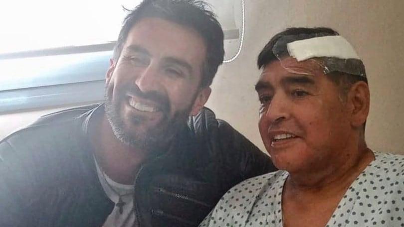 Calcio, Maradona dimesso da ospedale e portato in una casa vicino le figlie.