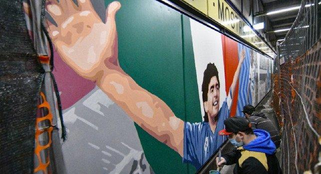 Maradona: Presentata nella stazione della Cumana l'opera che celebra la storia del Calcio Napoli