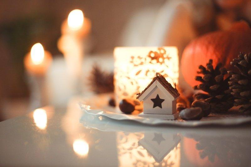 Come creare in casa un'atmosfera natalizia, calda ed accogliente.
