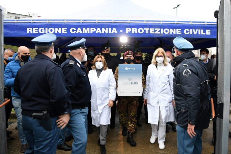 V-Day: in Campania arrivate le 720 dosi, al via vaccinazioni