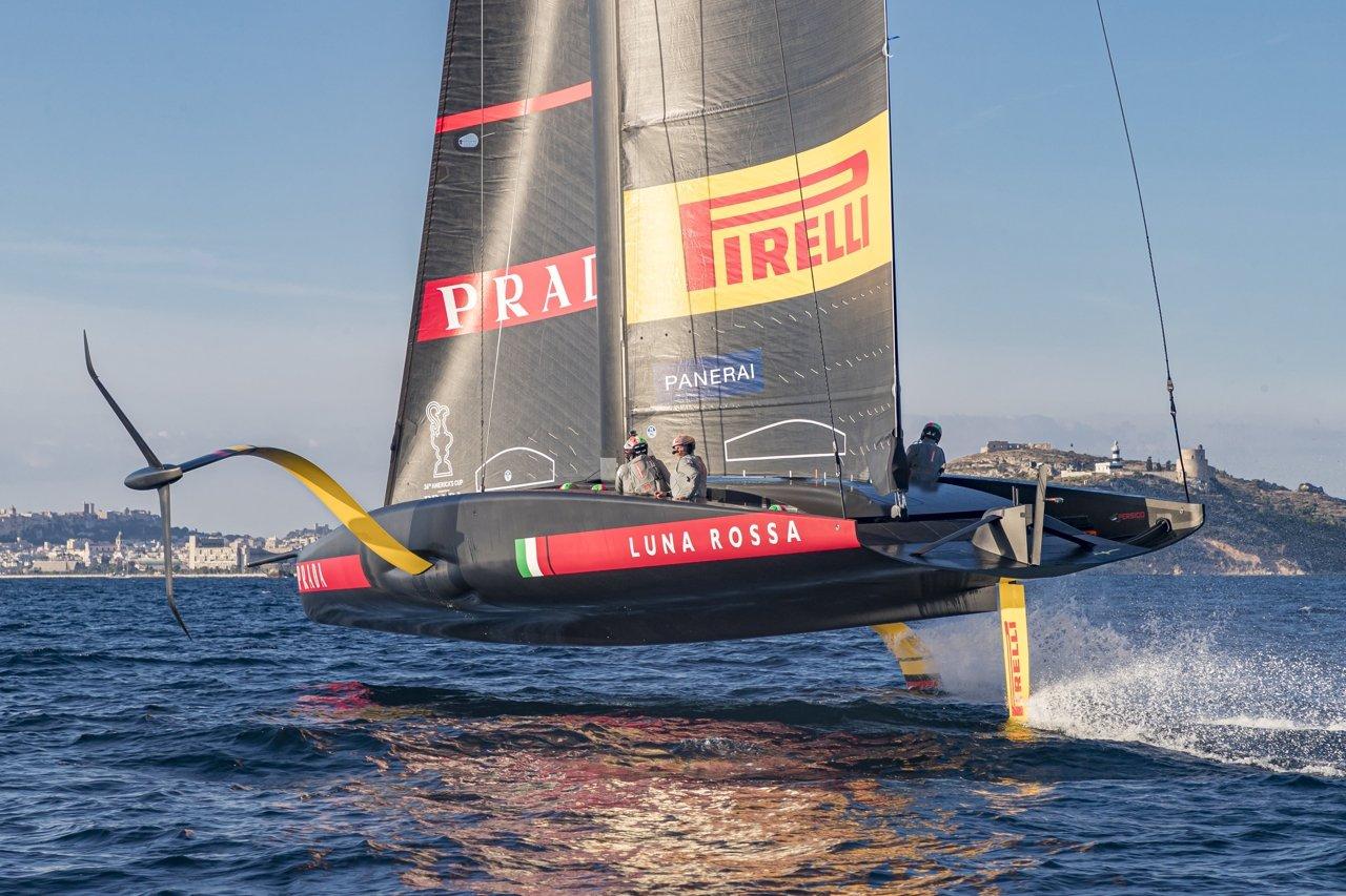 Vela, al via l'America's Cup: l'Italia sogna con Luna Rossa