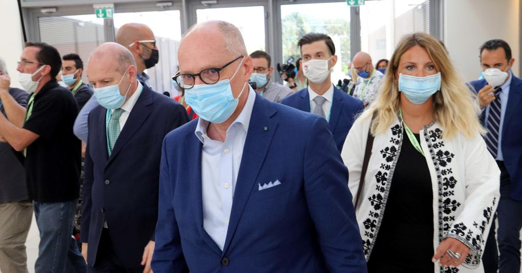 """Coronavirus: Ricciardi, """"lockdown vero per 1 mese, questo Governo ci ascolti"""""""