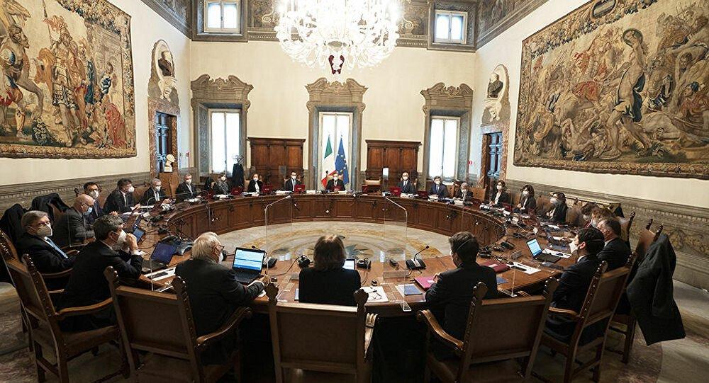 Governo, Draghi vuole chiudere: tra oggi e domani i sottosegretari