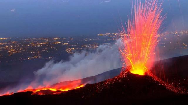"""Etna: Vulcanologo Behncke, """"a Muntagna"""" di sempre e sisma altra storia"""
