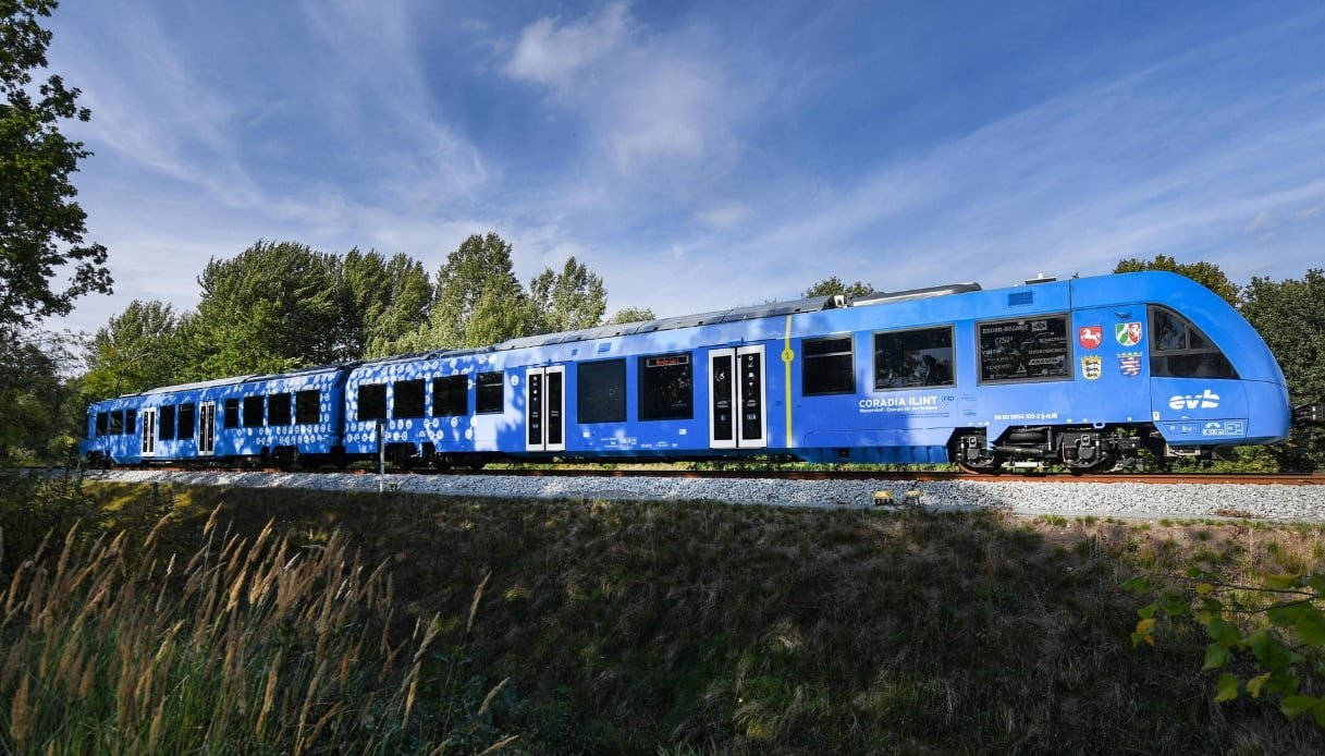 Treni a idrogeno sulla Brescia-Edolo, accordo Fnm-Enel Green Power