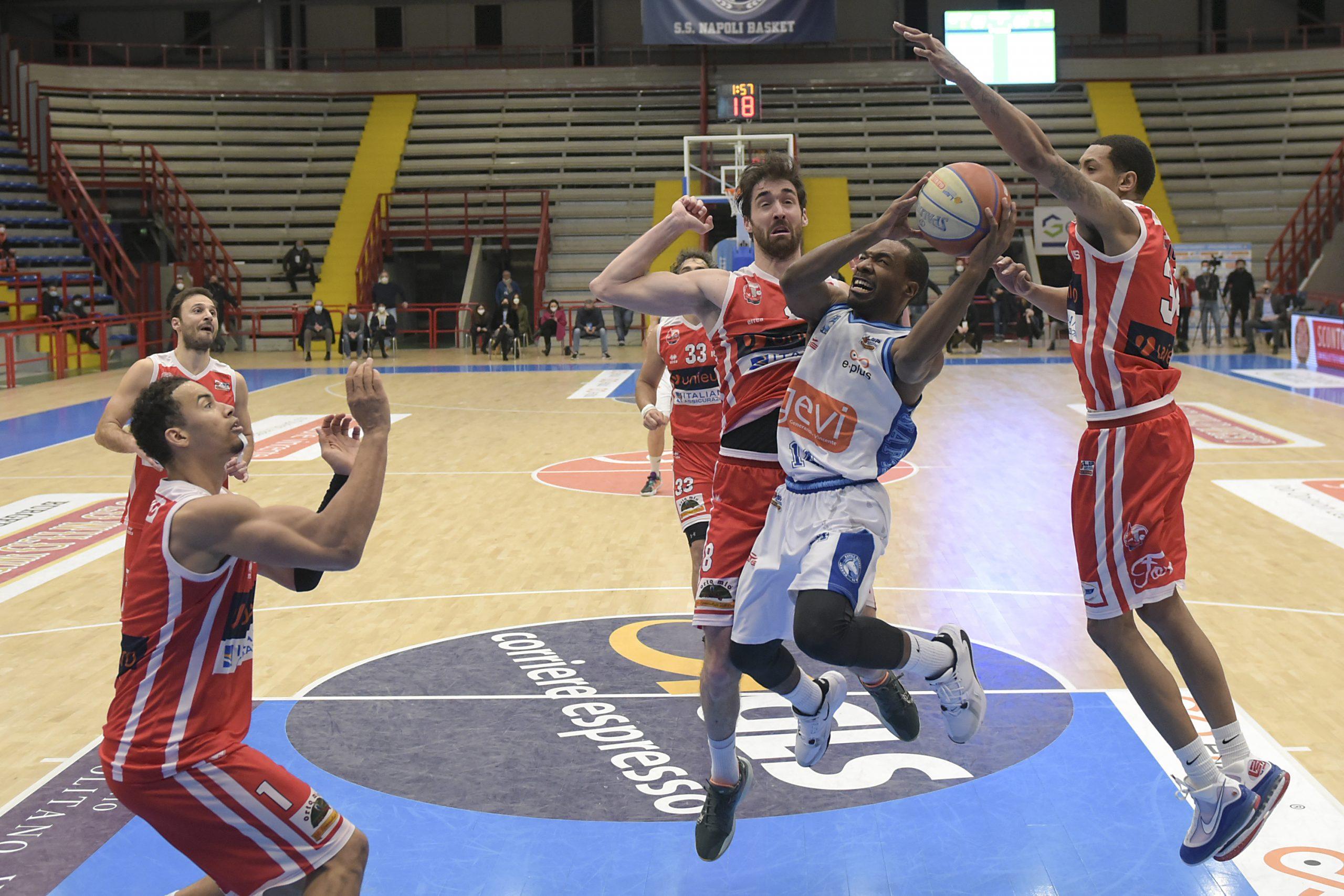 La GeVi è prima, sconfitta Forlì e vetta… dei due gironi.