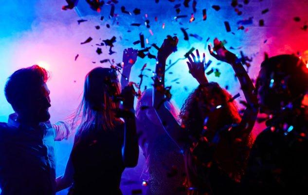 Festa clandestina per 18 anni, 12 giovani multati a Ischia