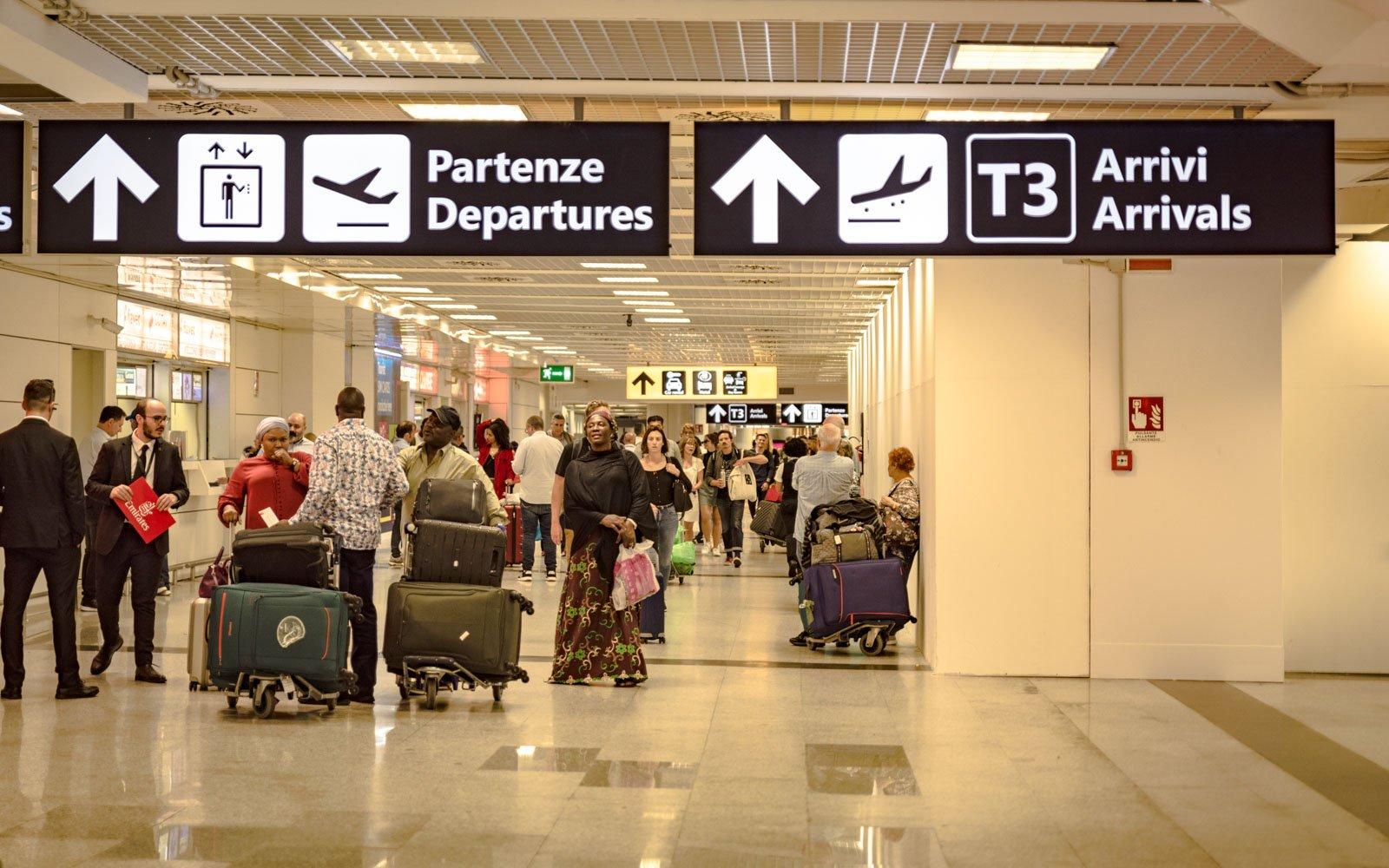 """Covid: a Fiumicino scatta il """"giallo"""", passeggeri monitorati"""