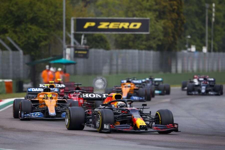 F1: Gp dell'Emilia Romagna, trionfa Verstappen davanti a Hamilton e Norris.