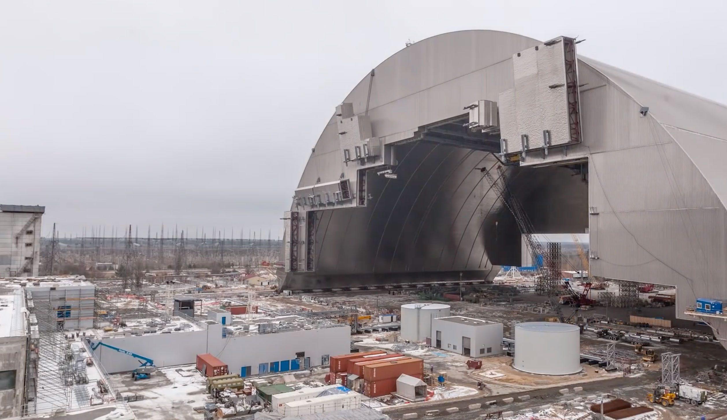 """Chernobyl: allarme scienzati Kiev, """"Nel reattore esploso riprese reazioni di fissione"""""""