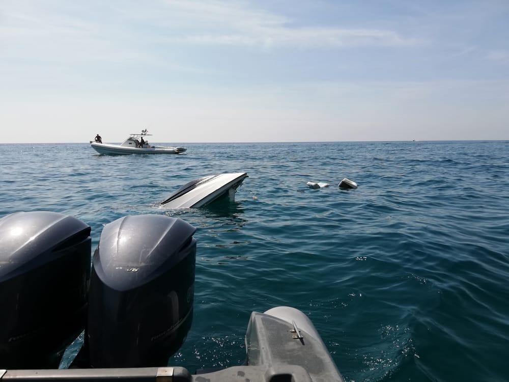 Affittano barca che cola a picco, paura per 7 ragazzi campani