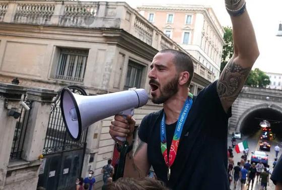 """Euro2020: Il prefetto di Roma """"Su pullman scoperto patti non rispettati"""""""